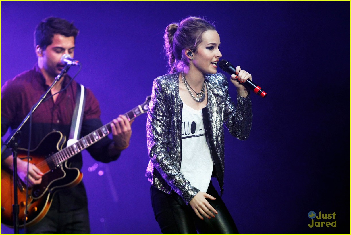 bridgit mendler power 961 jingle ball 24