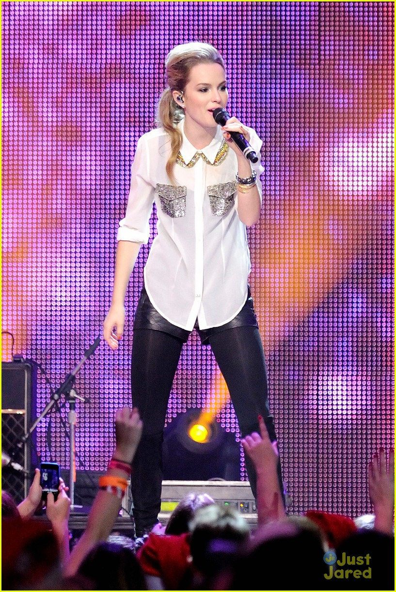 bridgit mendler big jingle 03