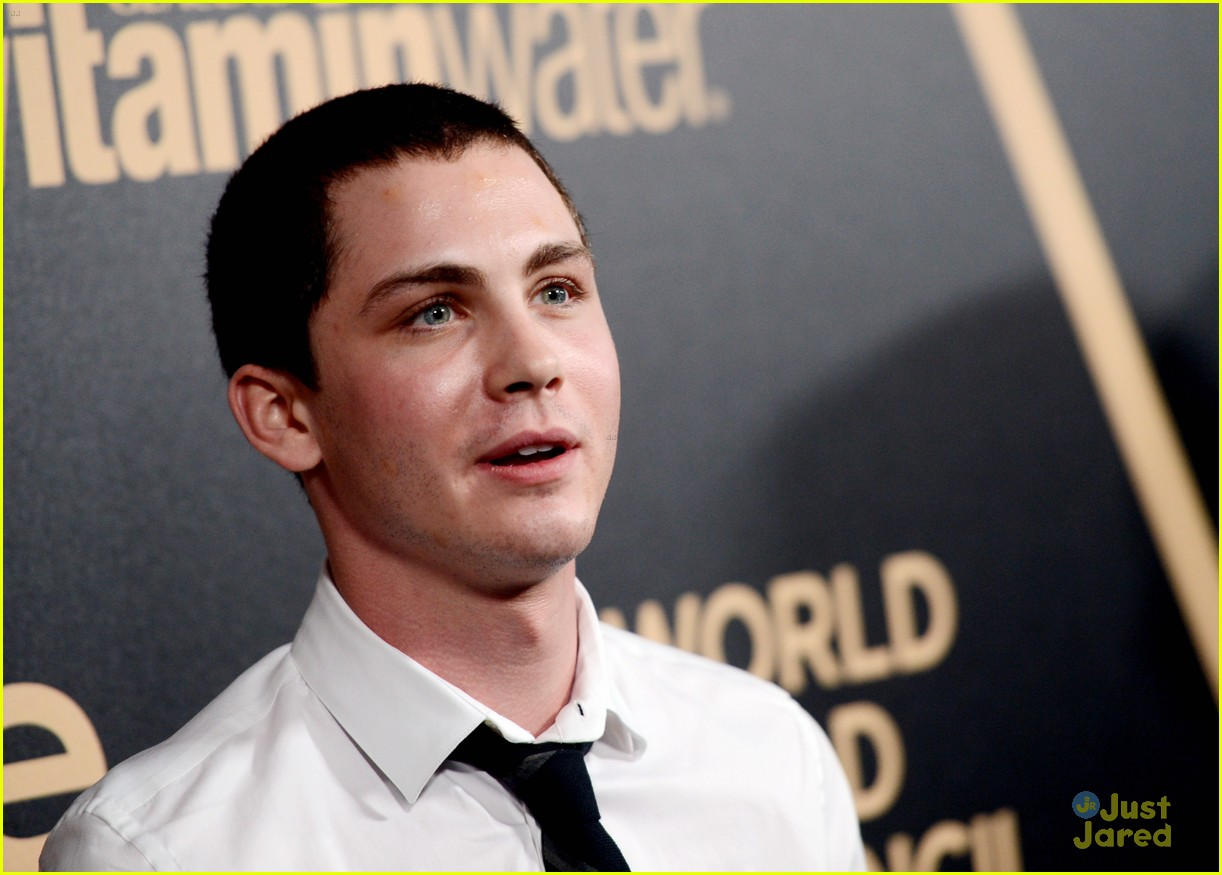 logan lerman callan mcauliffe instyle gg party 01