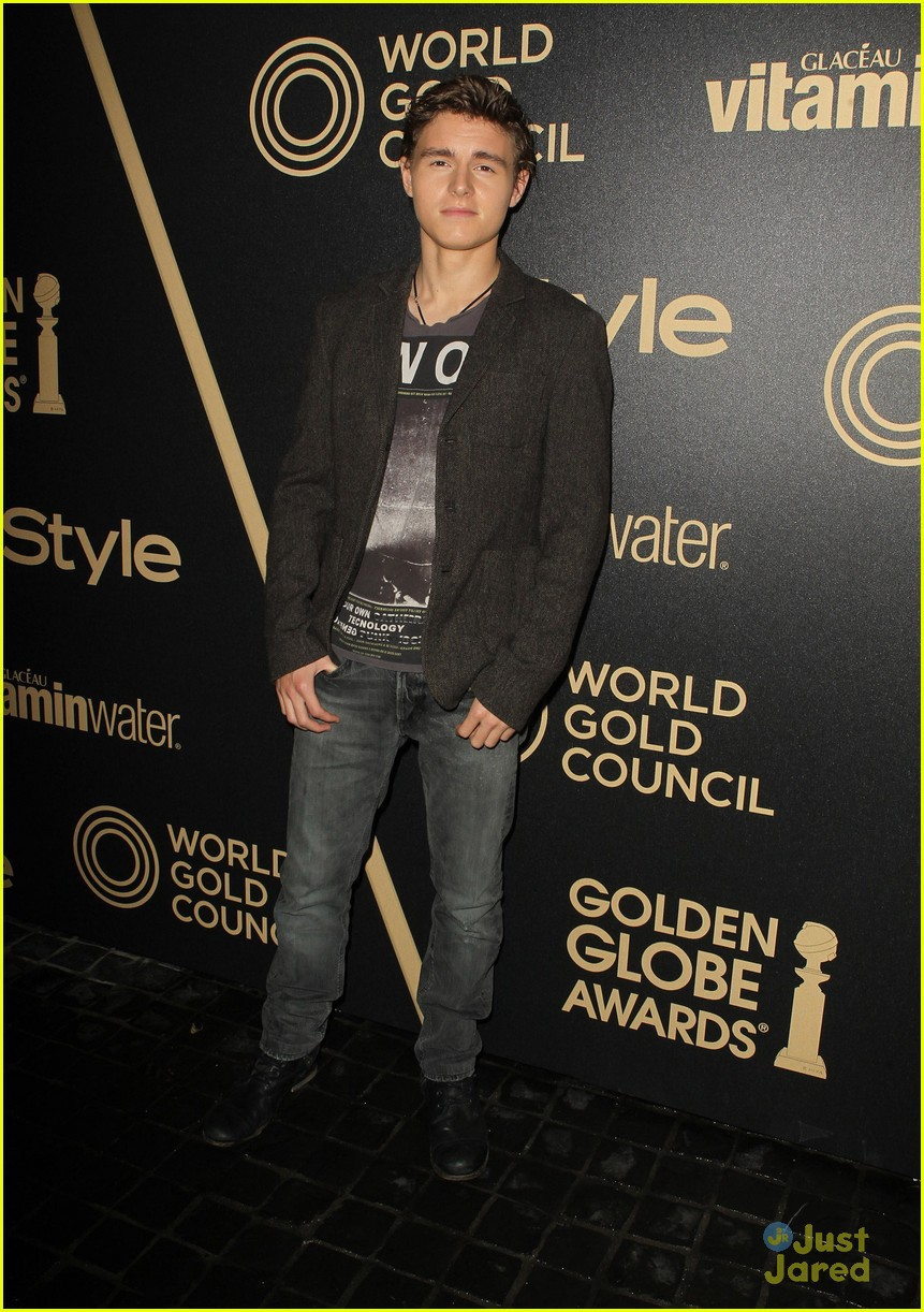 logan lerman callan mcauliffe instyle gg party 05