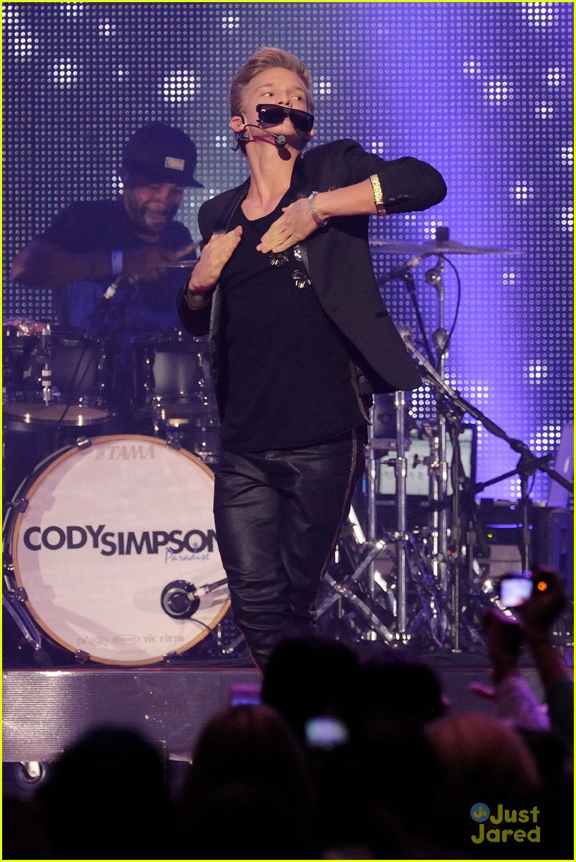 cody simpson austin mahone big jingle 02