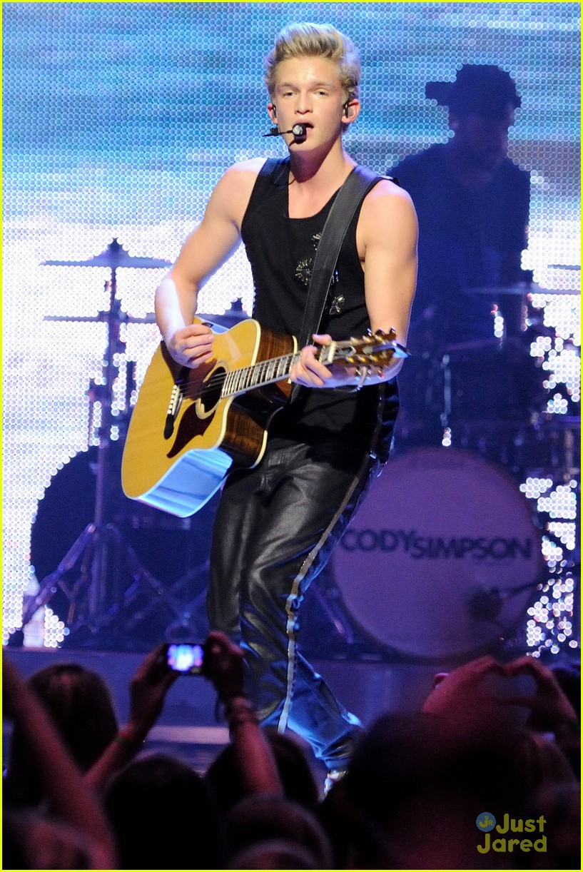 cody simpson austin mahone big jingle 04