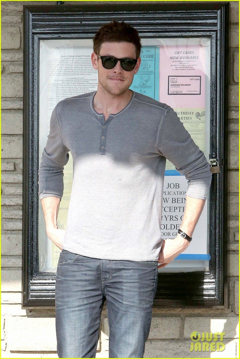 cory monteith skating in burbank 05