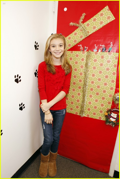 disney channel door decorating 05