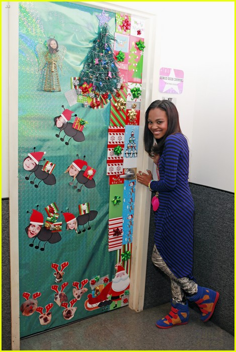 disney channel door decorating 07