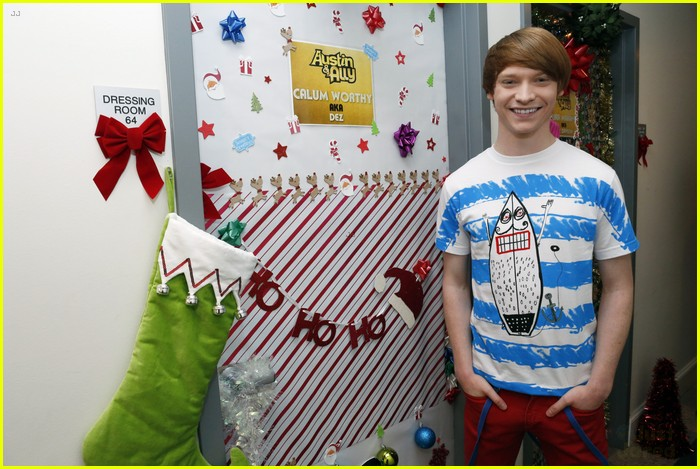 disney channel door decorating 19