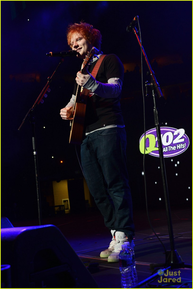 ed sheeran q102 jingle ball 04