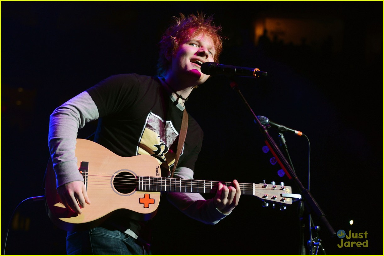 ed sheeran q102 jingle ball 06