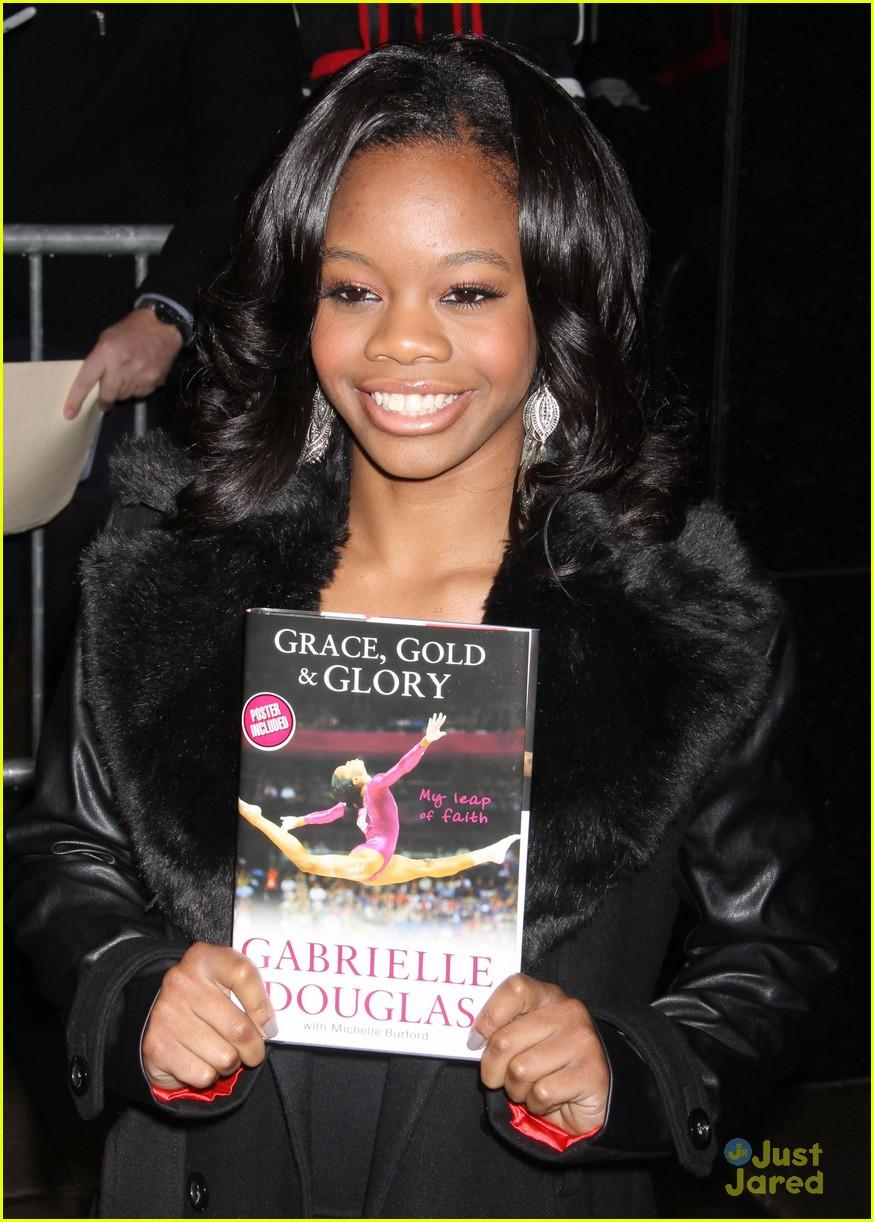 gabrielle douglas book promo nyc10