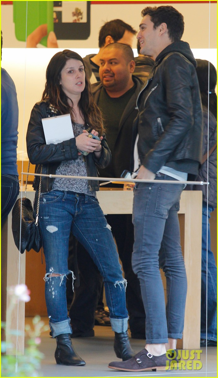 shenae grimes josh beech matching couple 08