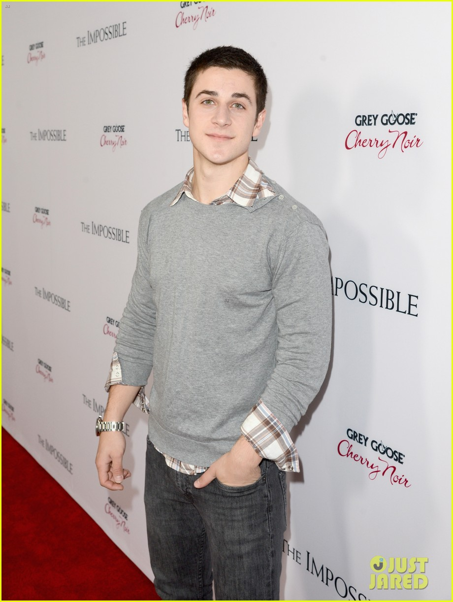 david henrie the impossible premiere 08