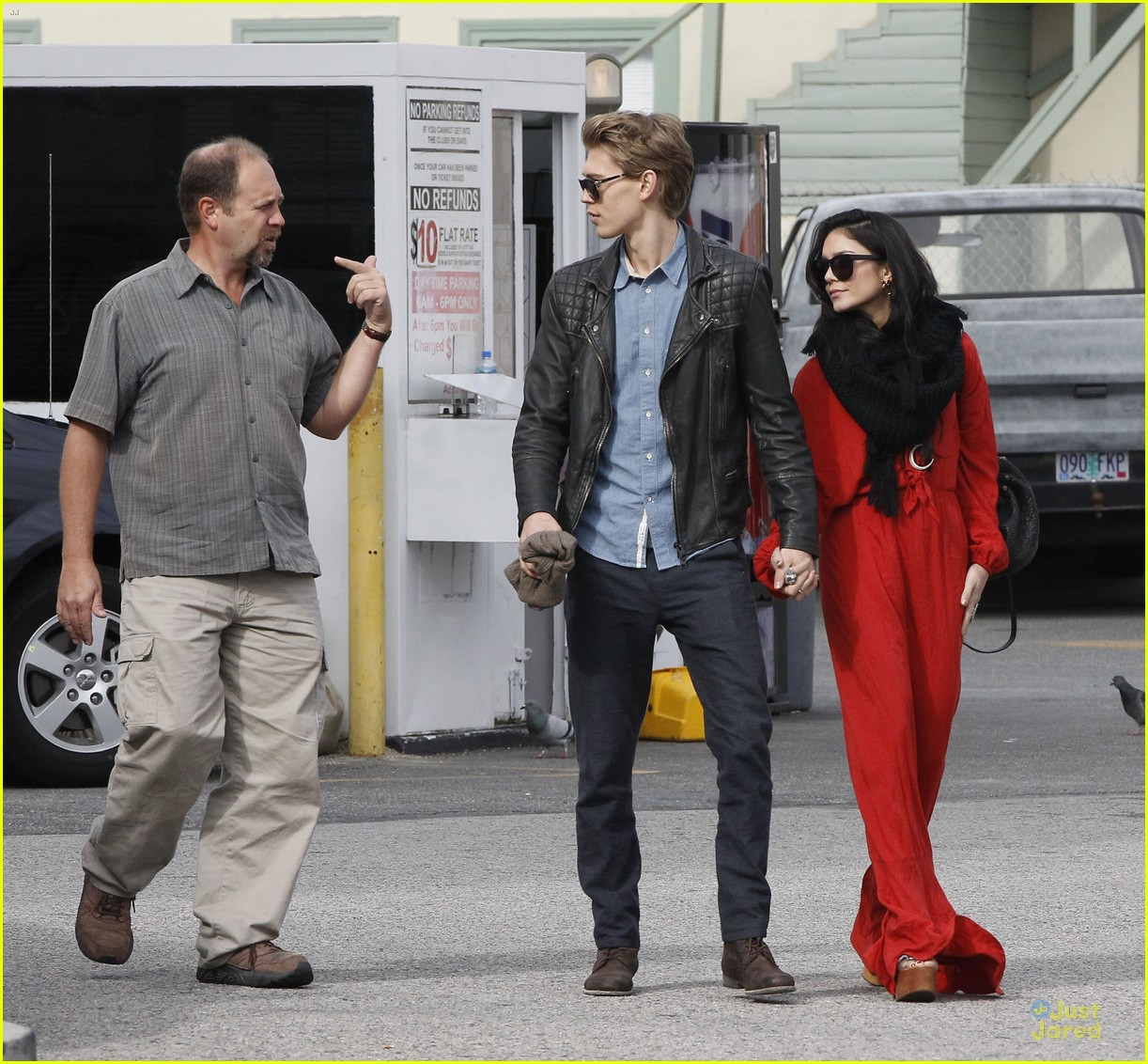 vanessa hudgens & austin butler church going couple 10