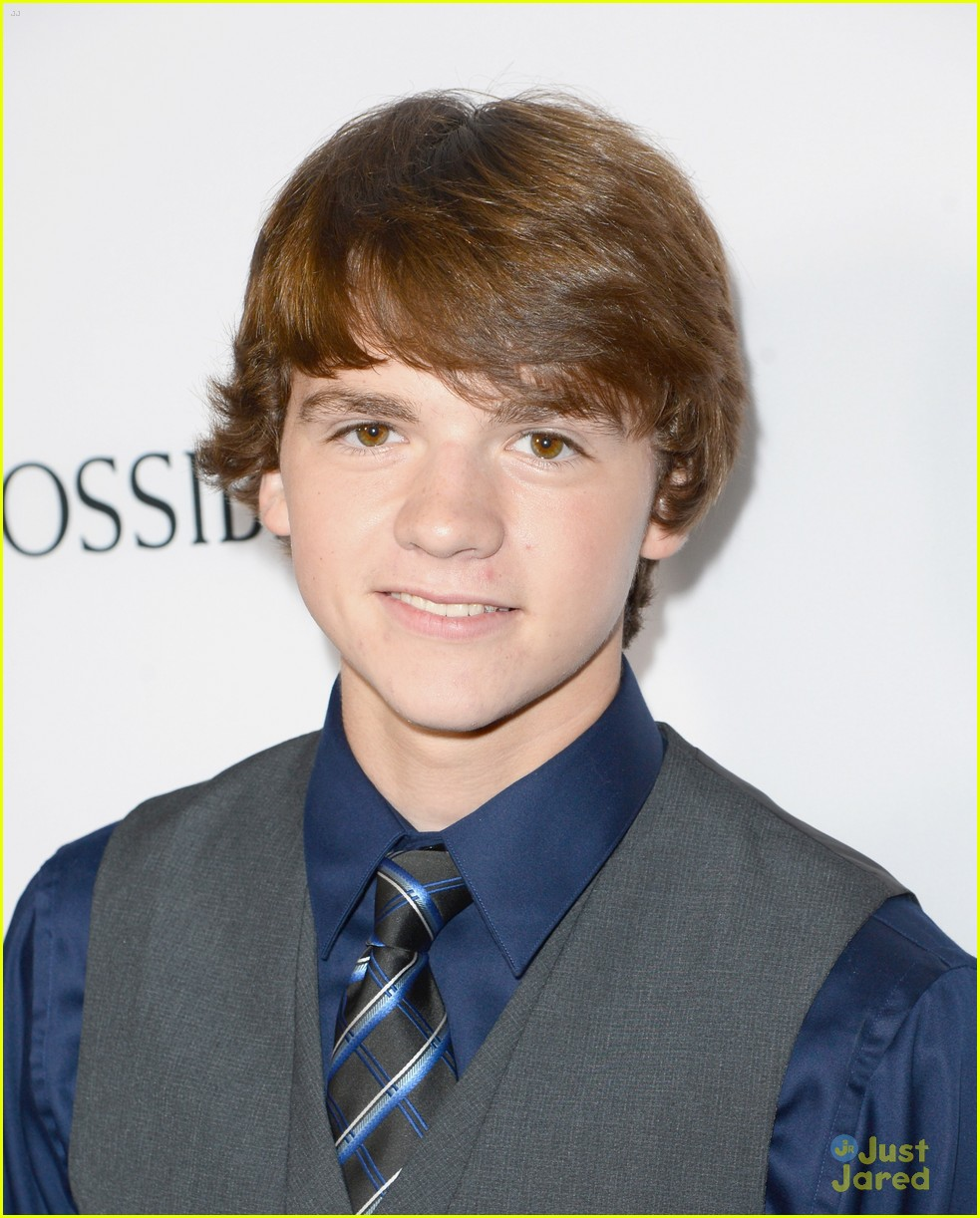 joel courtney impossible premiere 03