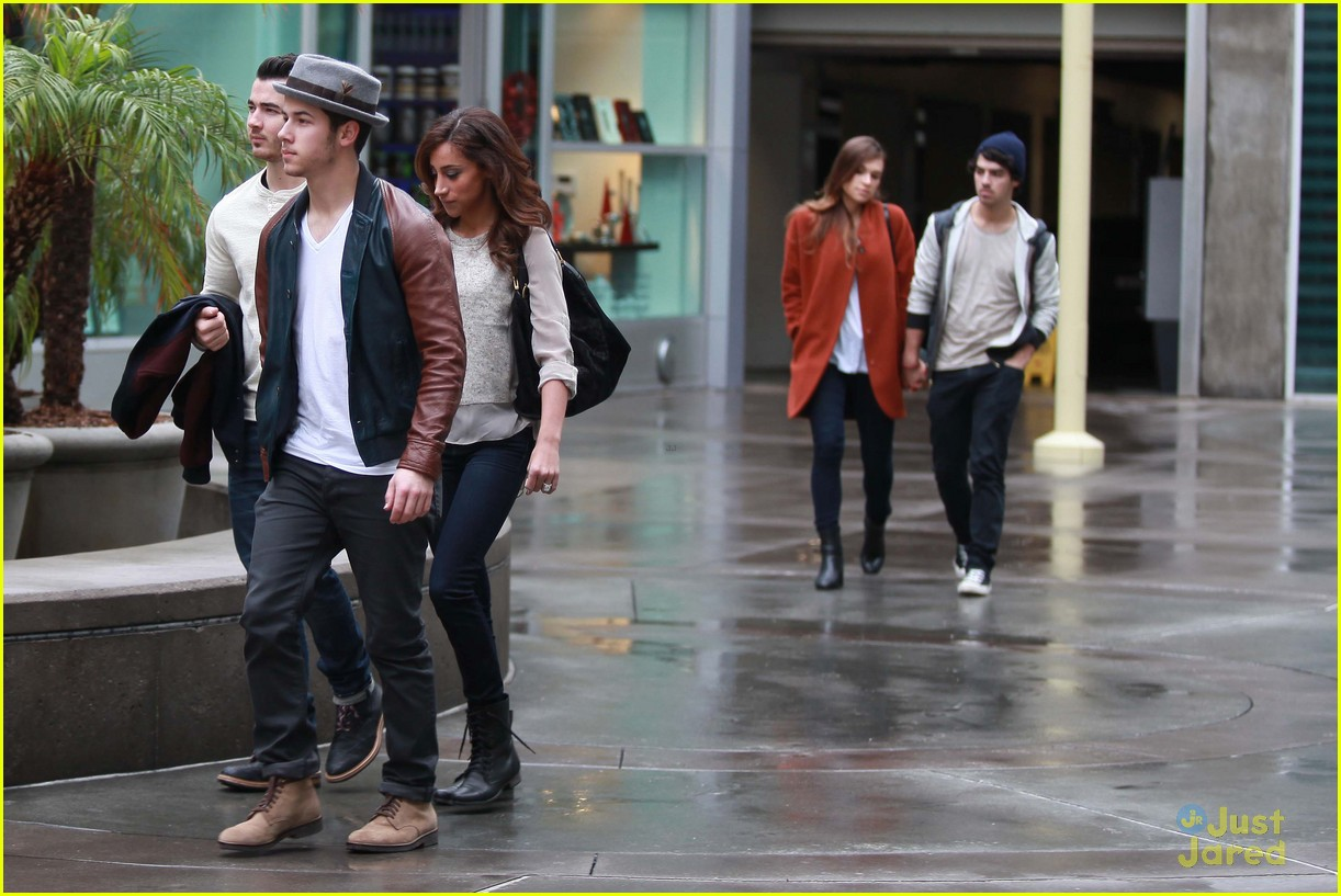 joe jonas blanda brothers lunch 13