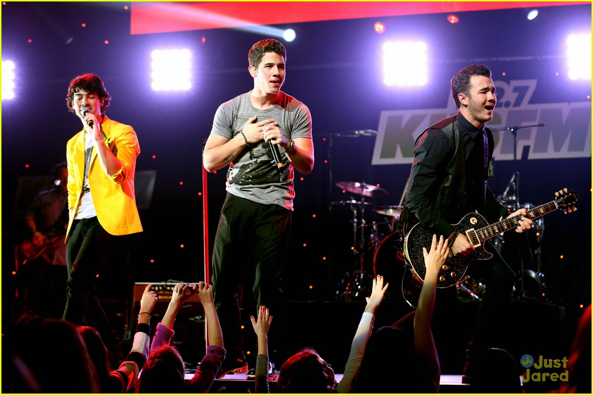 jonas brothers jingle ball 25
