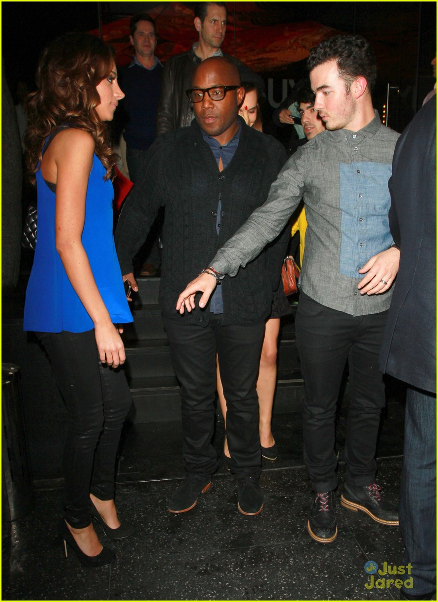 joe nick kevin jonas katsuya dinner 03