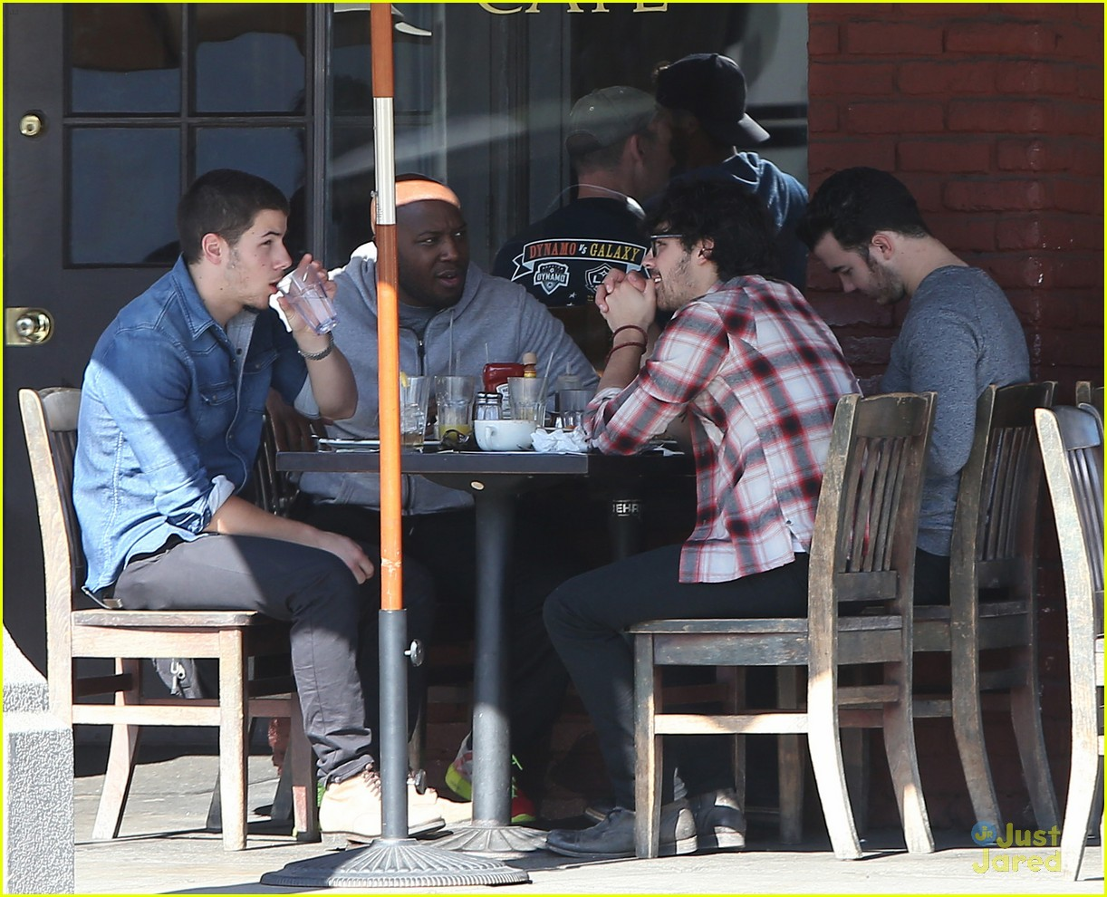 jonas brothers kings road lunch 15