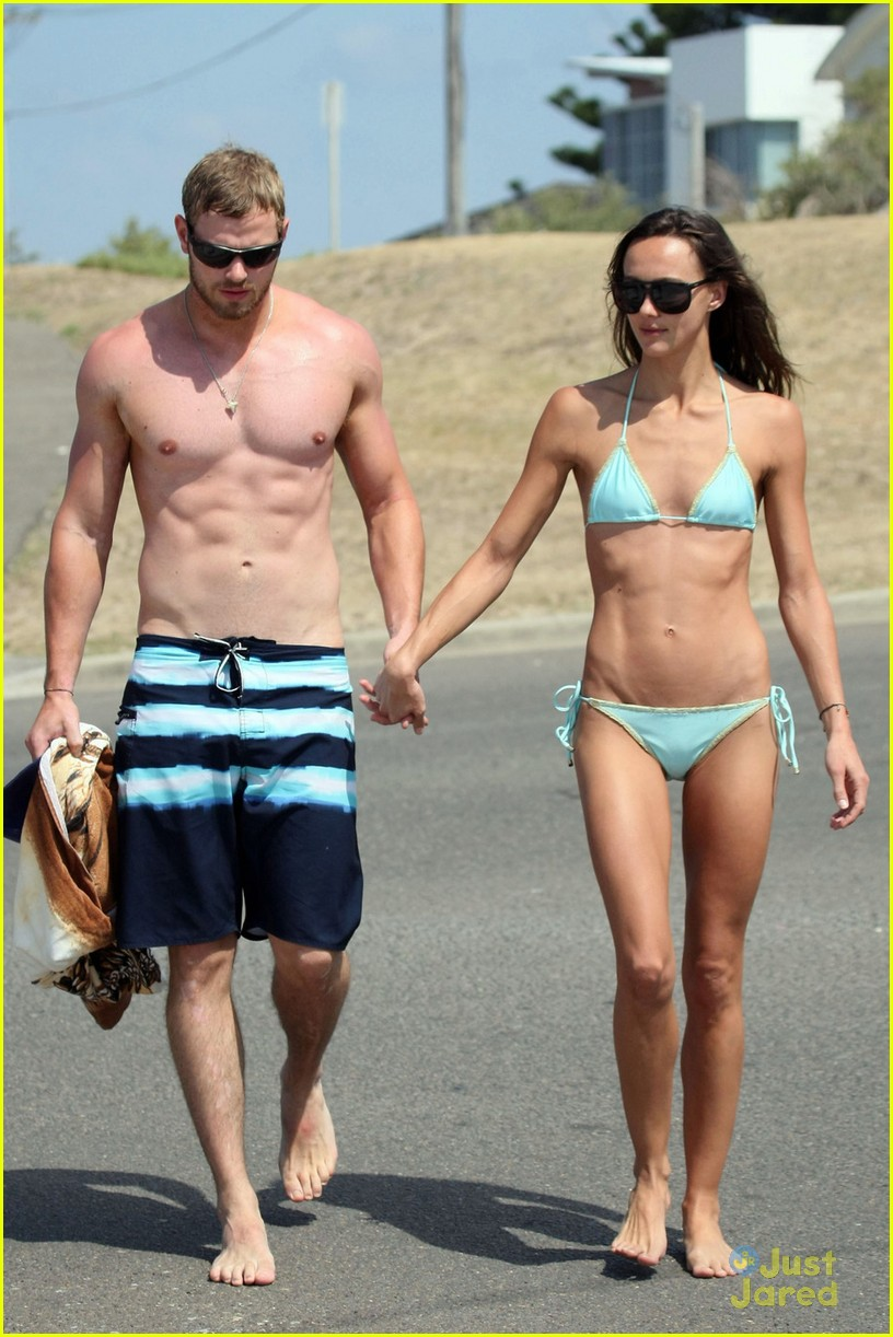 kellan lutz shirtless beach day with sharni vinson 06