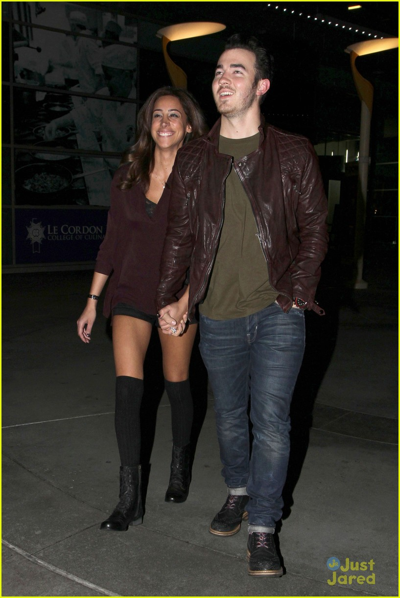 kevin danielle jonas movie date 10
