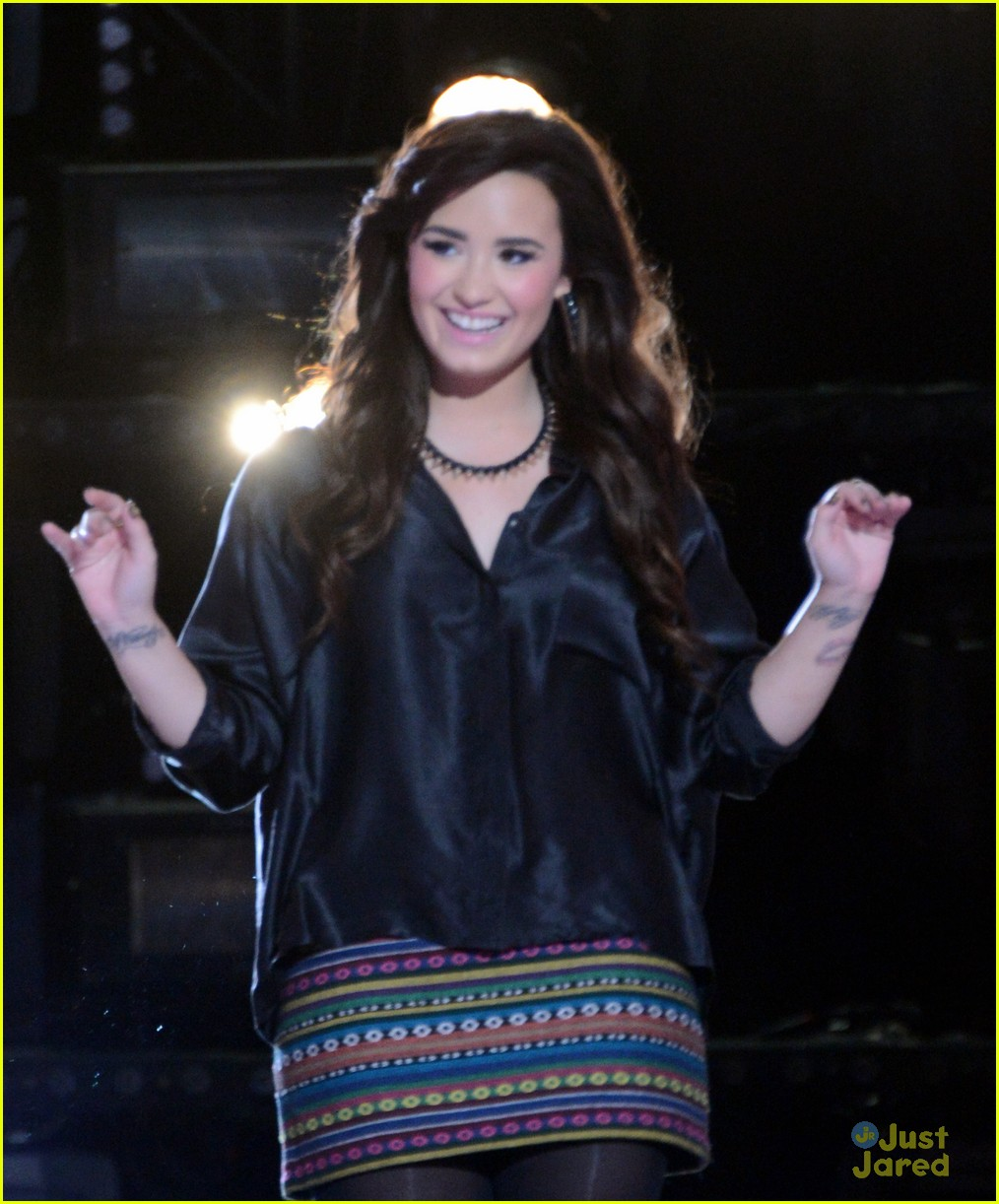 demi lovato xfactor news conference 13