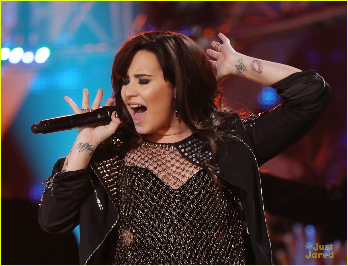 demi lovato divas performance 14
