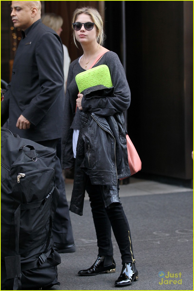 lucy hale ashley benson nyc hotel 02