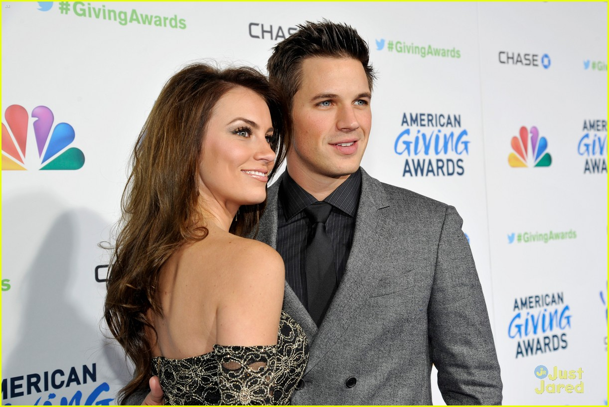 matt lanter giving awards 07