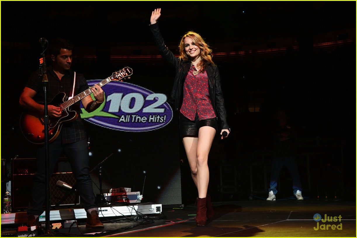 bridgit mendler q102 jingle ball 03