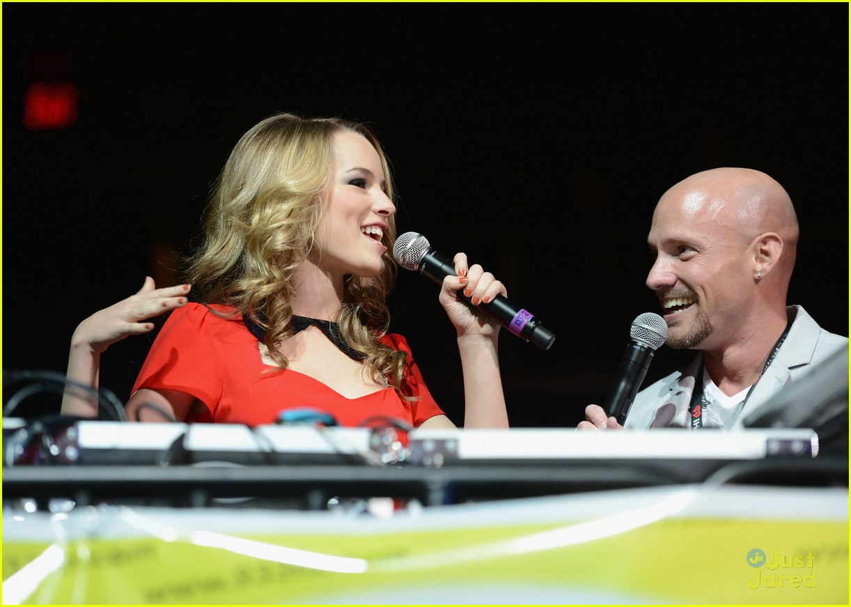 bridgit mendler tampa jingle ball 12