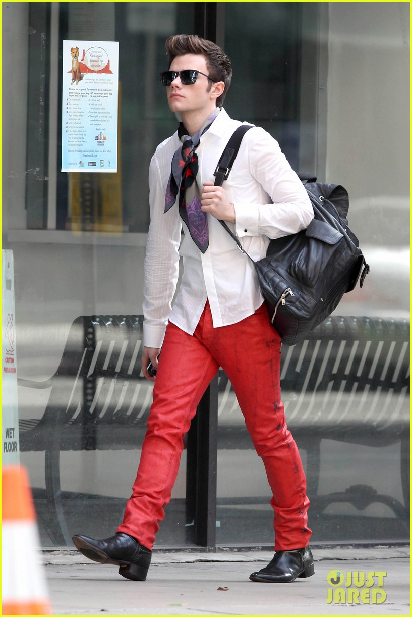 lea michele chris colfer glee set breaks LA 26