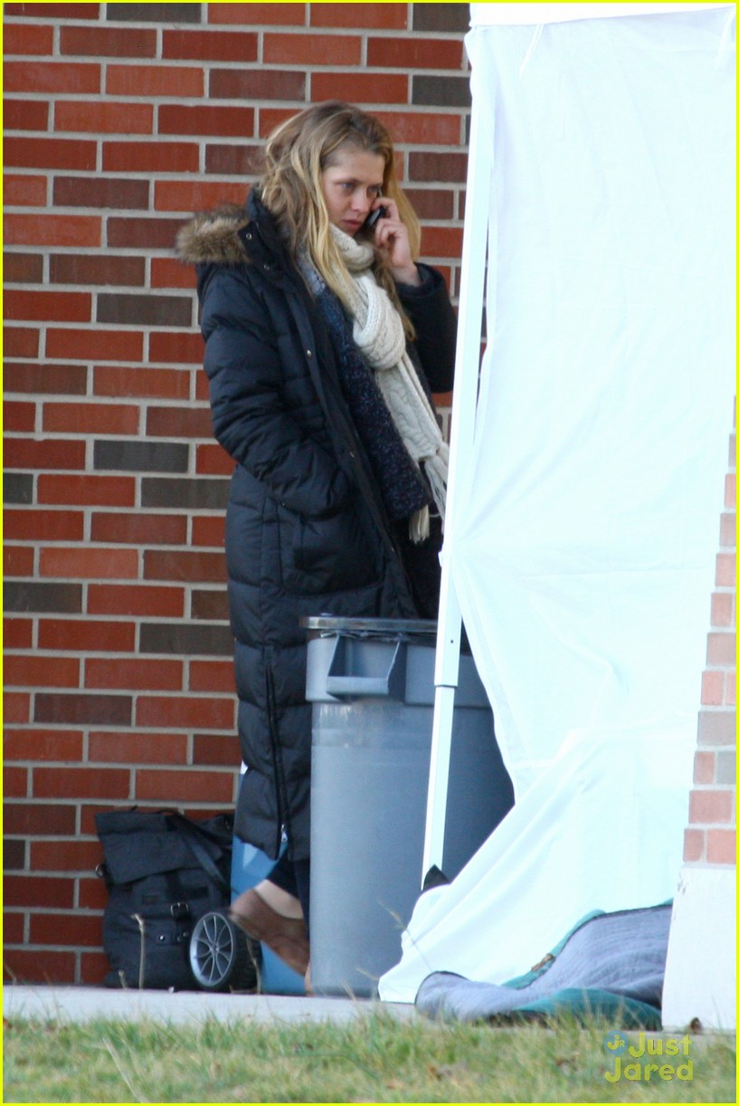 penn badgley teresa palmer detroit 02