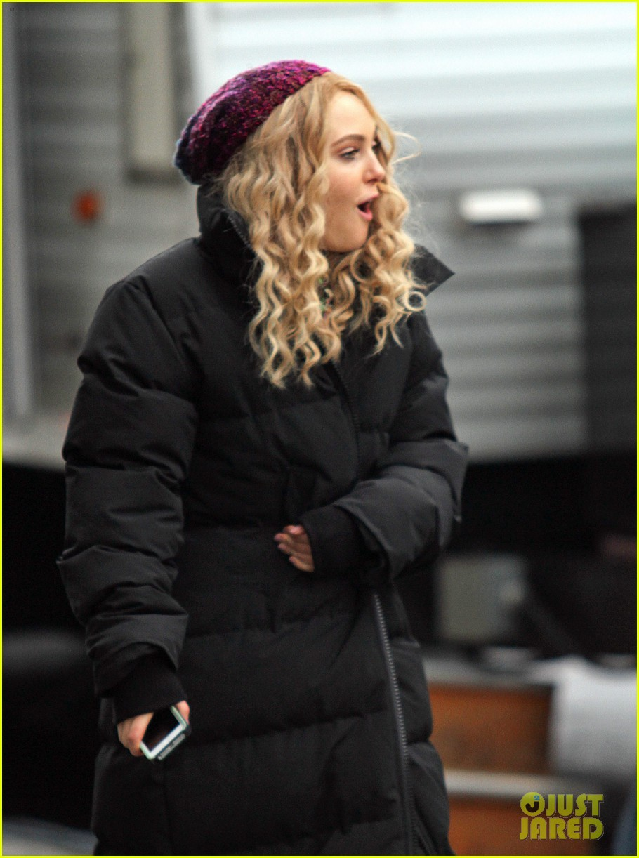 annasophia robb the carrie diaries set 13