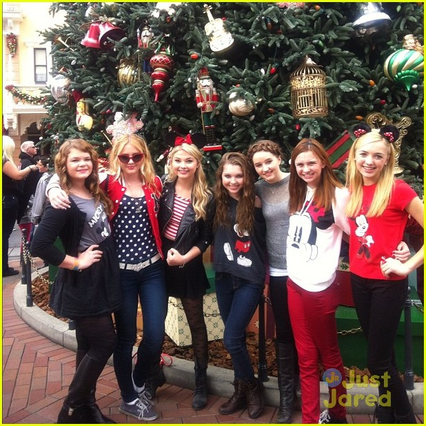 stefanie scott disneyland bday 01