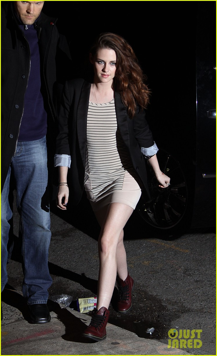 kristen stewart on the road premiere nyc 04