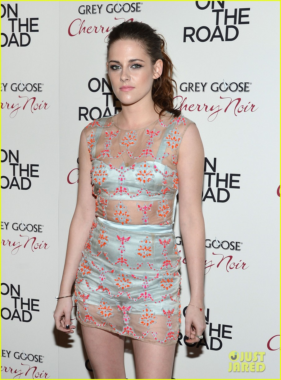 kristen stewart on the road premiere nyc 07