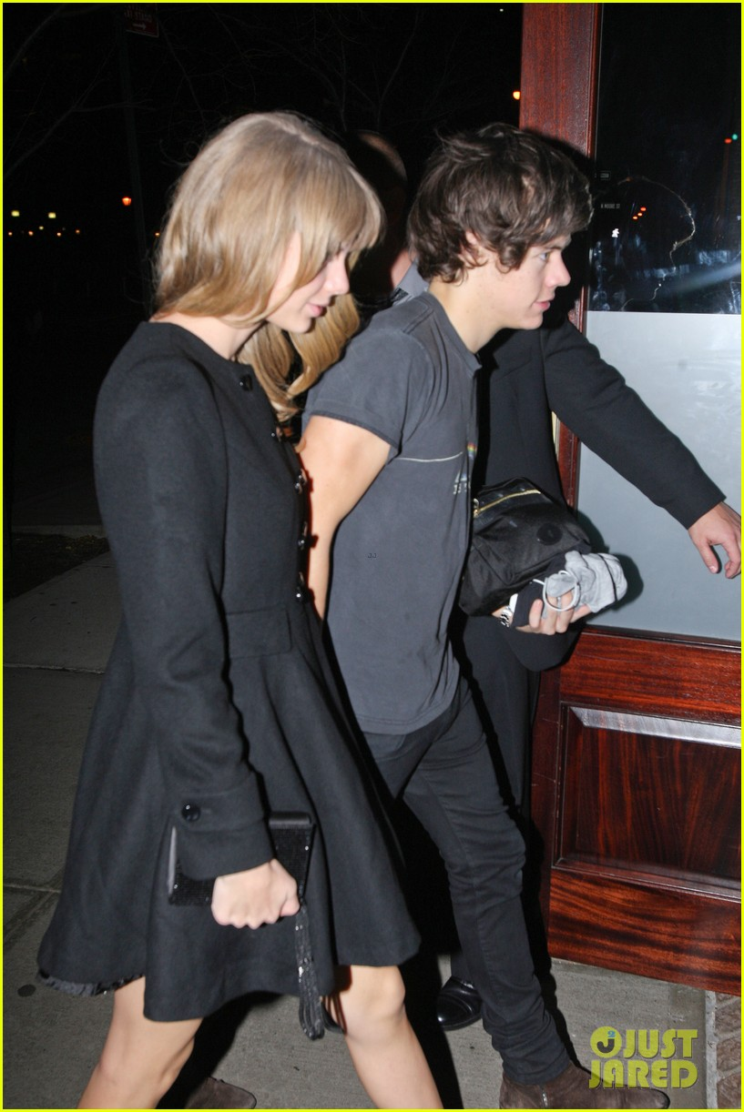 harry styles taylor swift holding hands 10