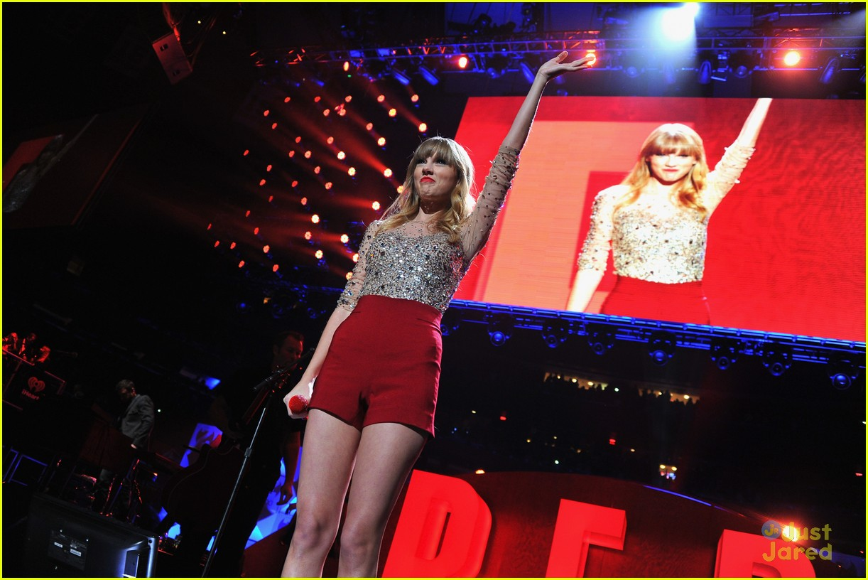 taylor swift z100 jingle ball 24
