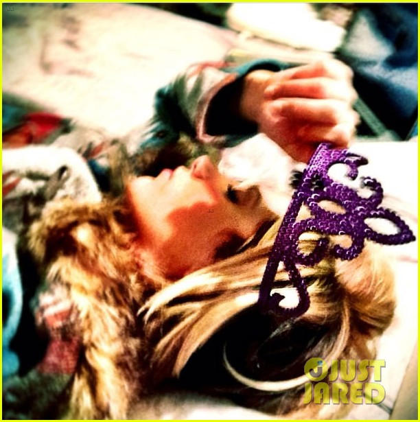 ashley tisdale instagram photo shoot 01