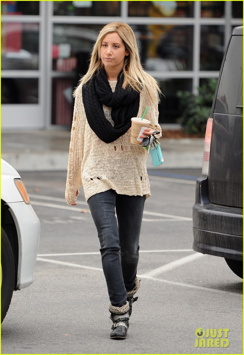 ashley tisdale starbucks studio city 06