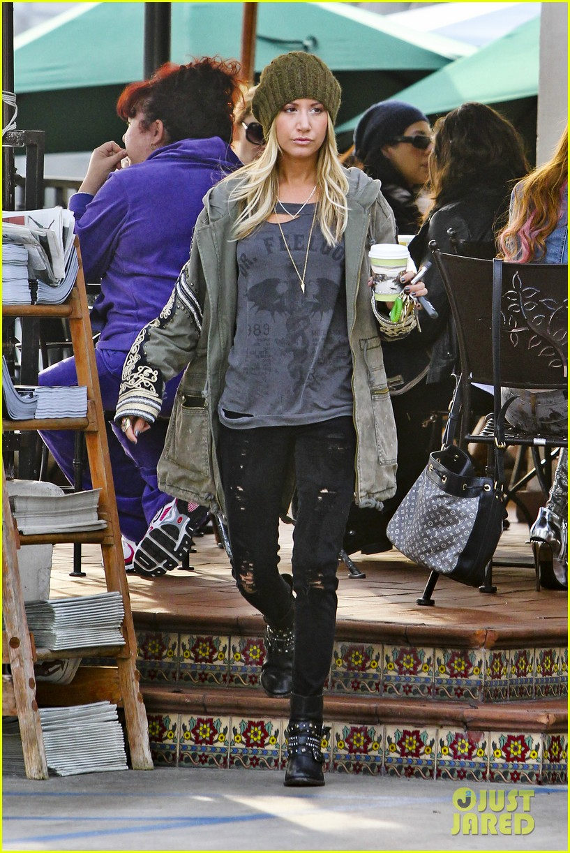 ashley tisdale urth caffe cute 10