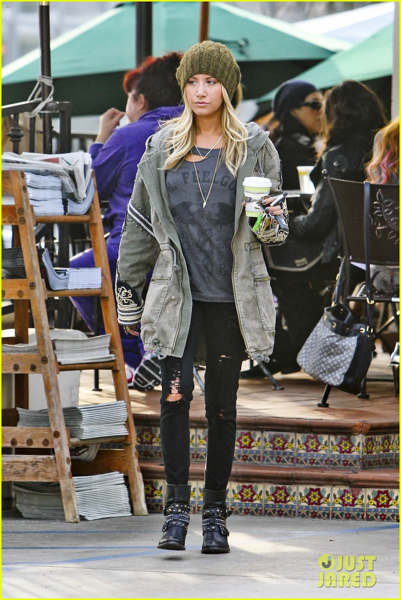 ashley tisdale urth caffe cute 13