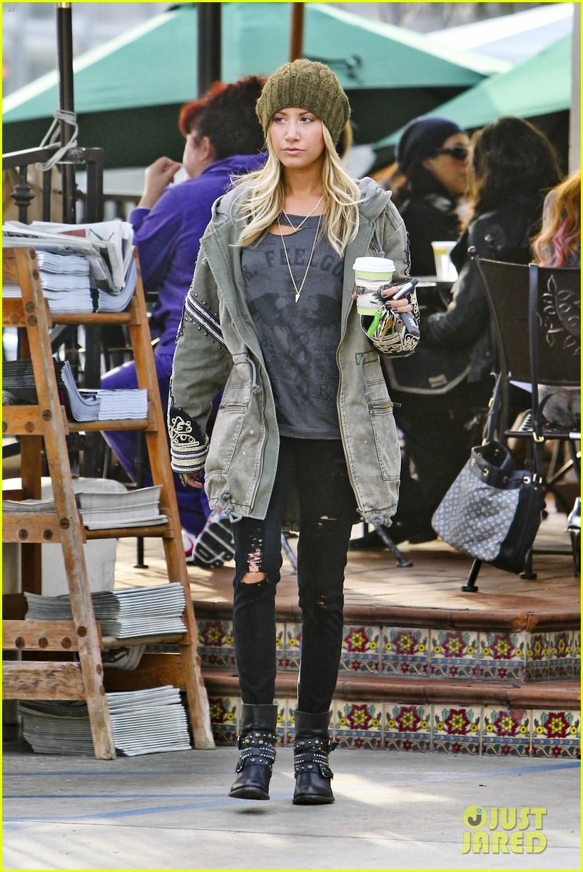 ashley tisdale urth caffe cute 13