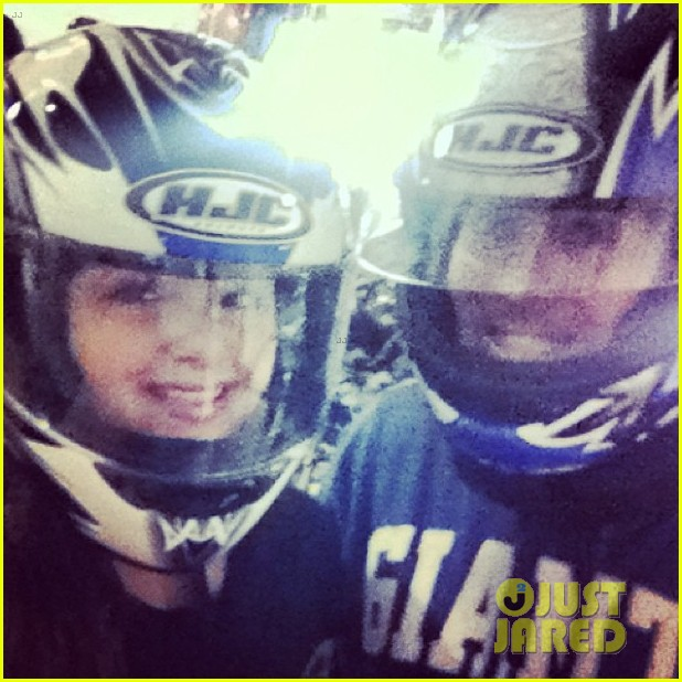 ariel winter go karting 09