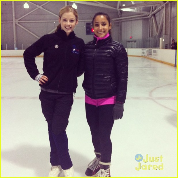 aly raisman jordyn wieber gracie gold skating 02
