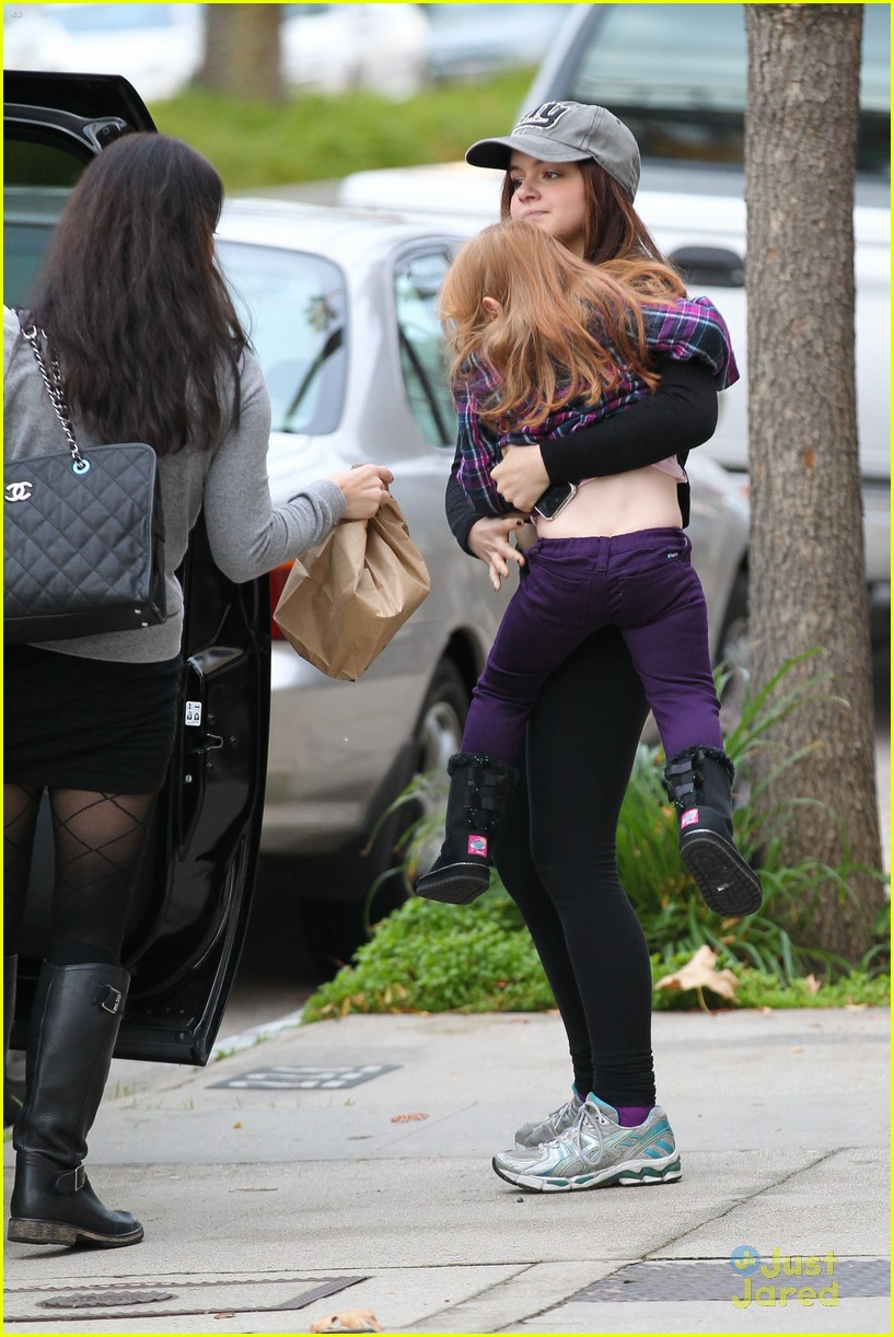 ariel winter slide skylar 24
