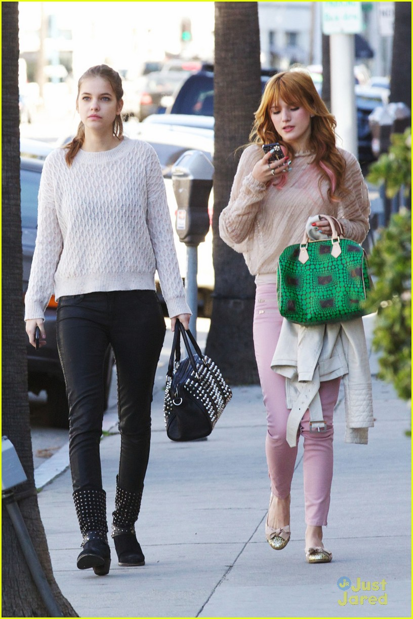 bella thorne barbara palvin lunch 05