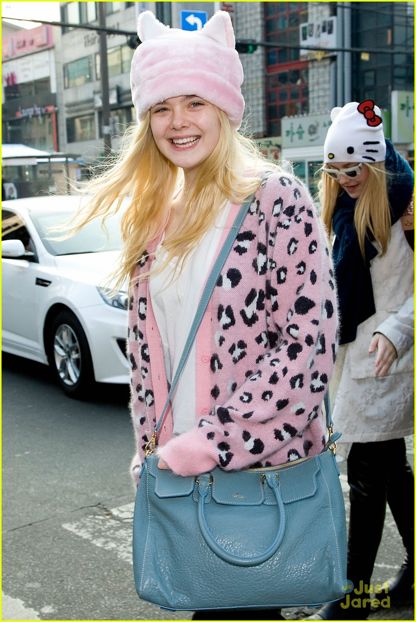 dakota elle fanning south korea 02