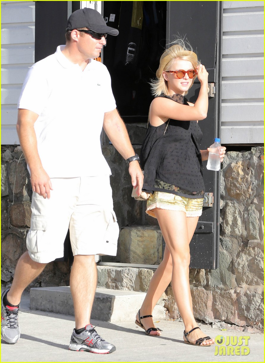 julianne hough st barts shopper 05