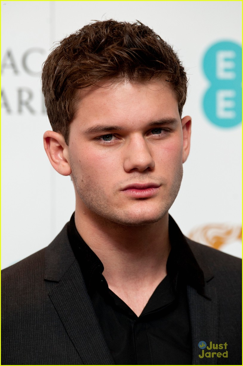 jeremy irvine bafta nominations 06