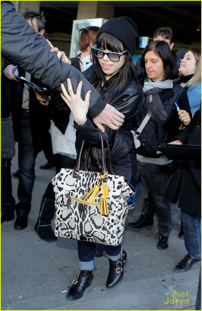 carly rae jepsen nice airport 03